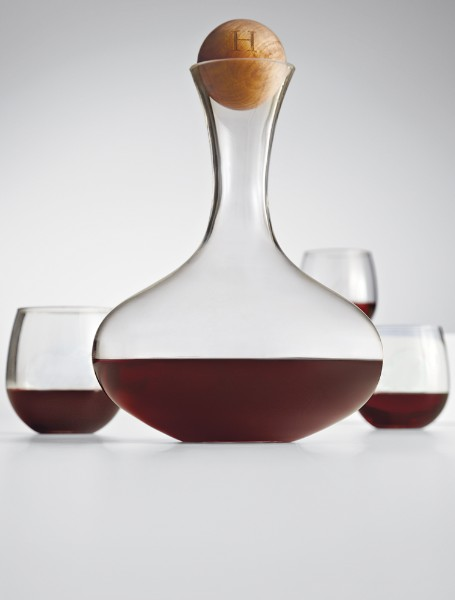 glass wine decanter with oak stopper